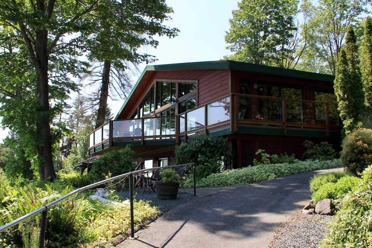 Campbell River Cabin